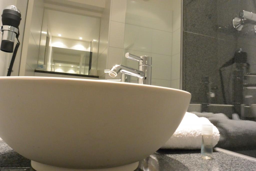Hoteltest das designhotel motel one in d sseldorf for Motel one duschgel