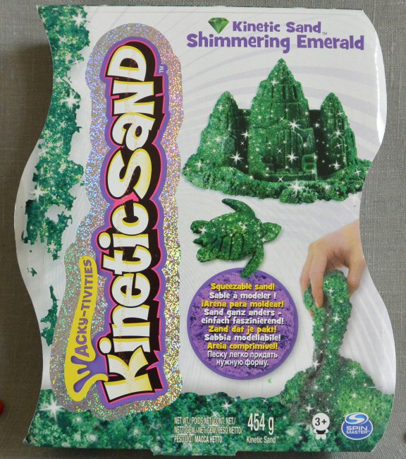 kinetic sand shimmering emerald von spinmaster frinis. Black Bedroom Furniture Sets. Home Design Ideas