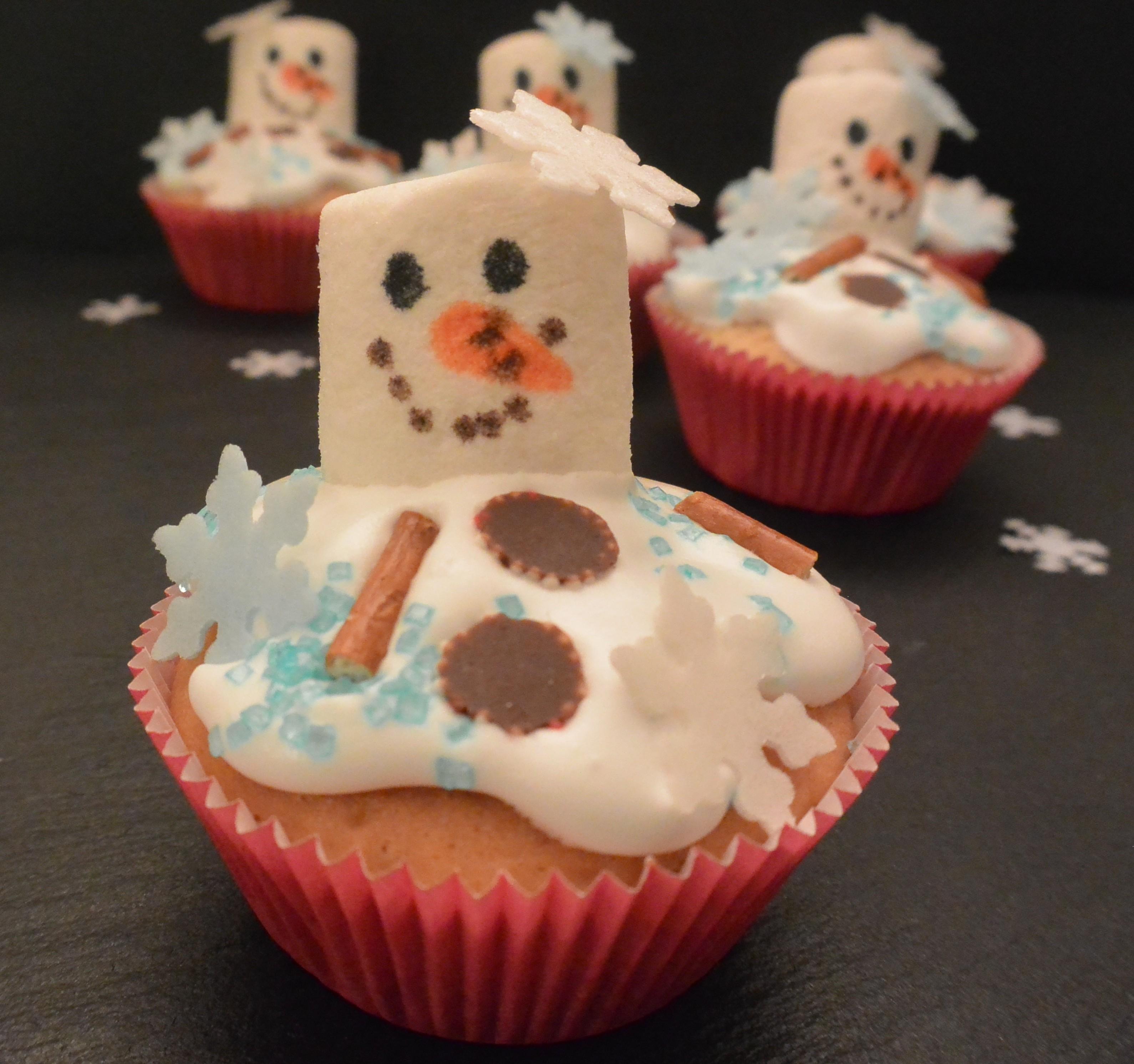 Geschmolzene schneemann muffins food backen weihnachten olaf frinis testst bchen - Muffins dekorieren ...