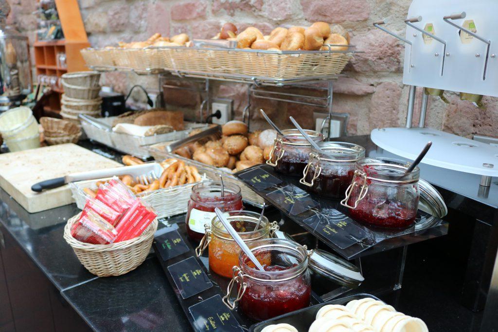 Frühstückbuffet ebtsü