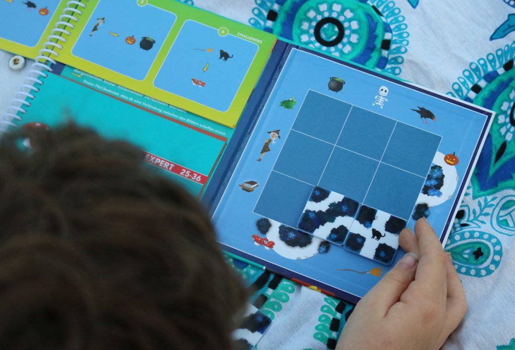 SmartGames-Reisespiel-magischer-Wald-3