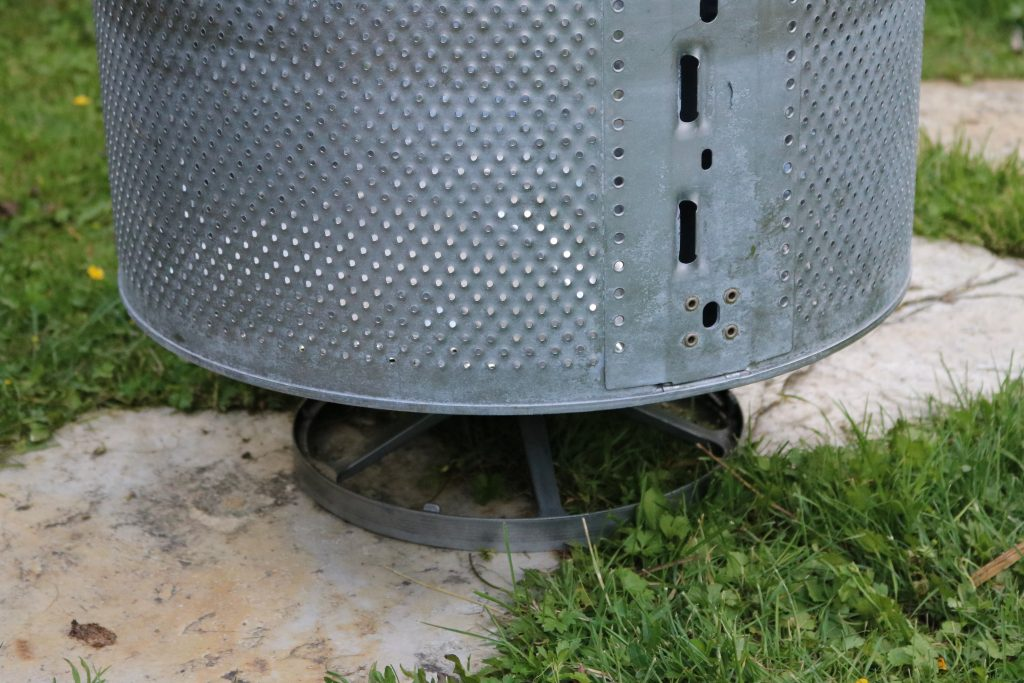 DIY-Feuerstelle-aus-Waschmaschinentrommel-bauen-5